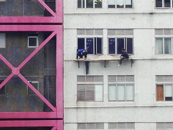 香港 窓際工事